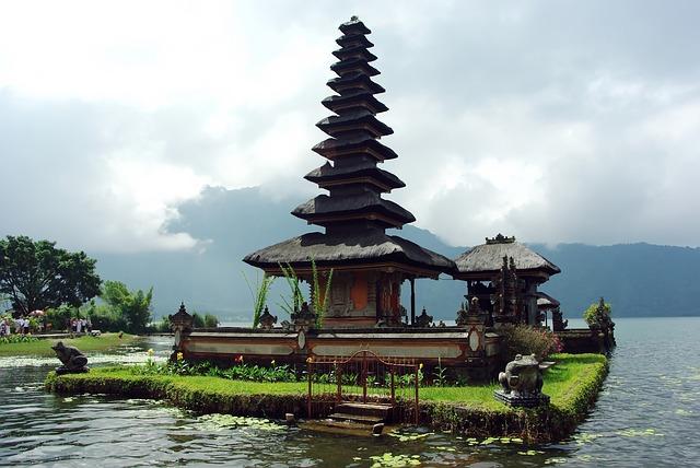 Бали въвежда туристическа такса