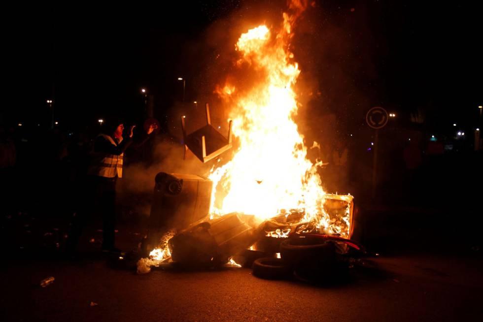 Стачкуващи шофьори на такси в Мадрид блокираха достъпа до Fitur, най-големия туристически панаир в Испания