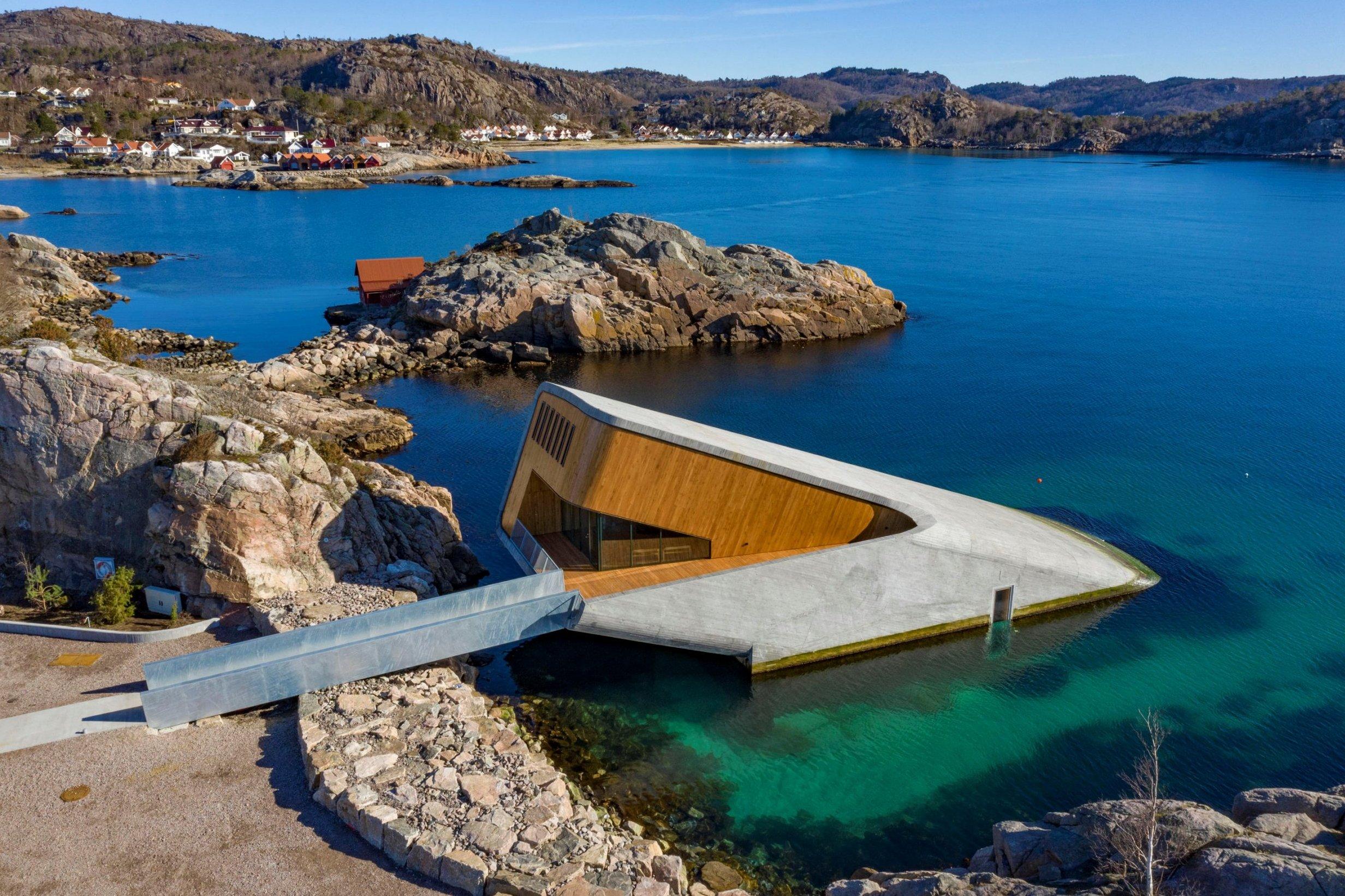 В Норвегия откриха първия подводен ресторант в Европа
