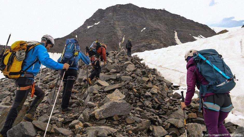 Как Еверест се превърна в туристическа дестинация?