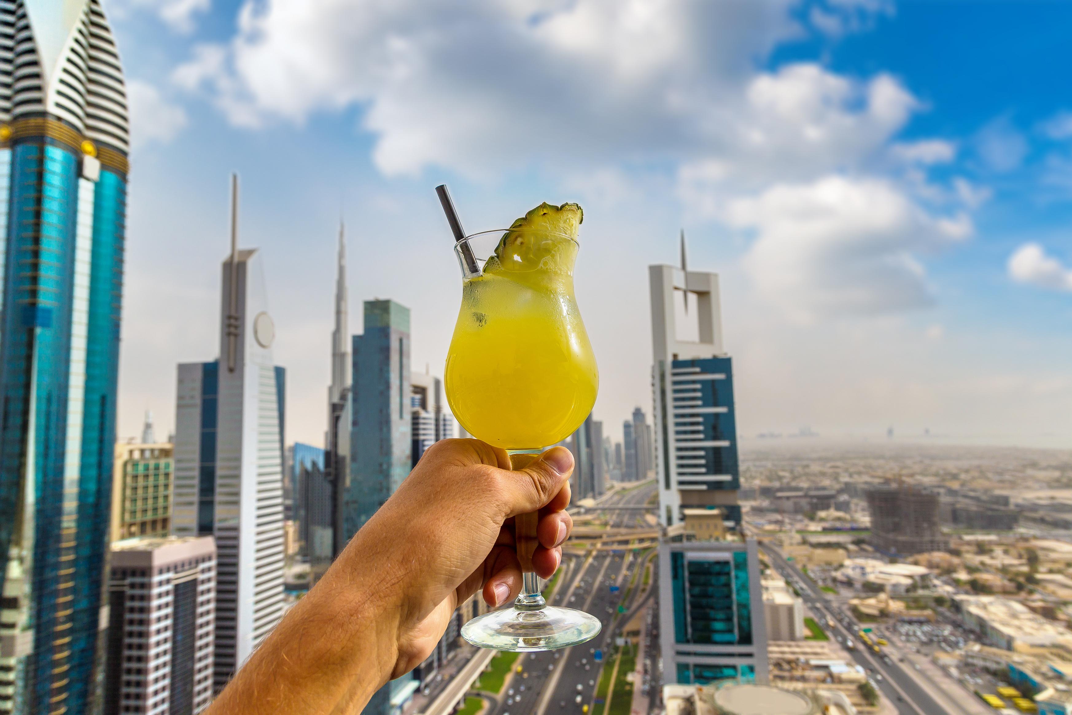 Туристите вече могат да купуват алкохол в Дубай