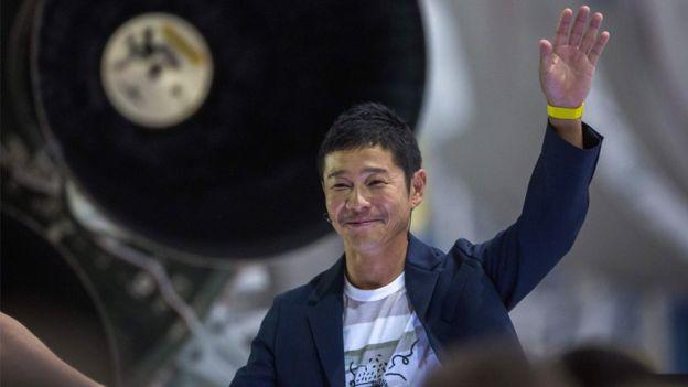 Японски милиардер си търси спътница за туристическо пътуване до Луната