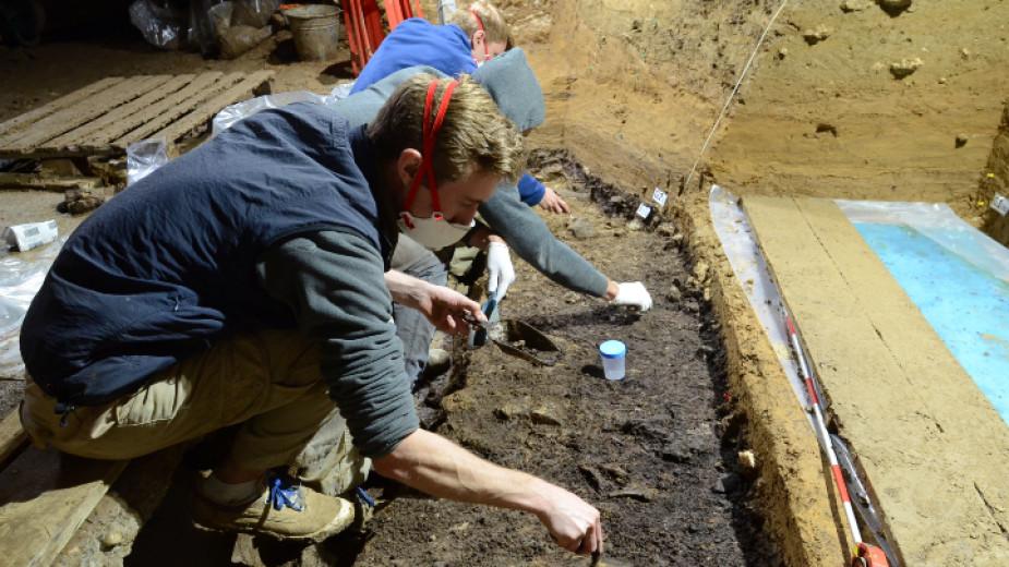 Находка в пещерата Бачо Киро доказва, че хомо сапиенс е дошъл в Европа по-рано, отколкото се смяташе