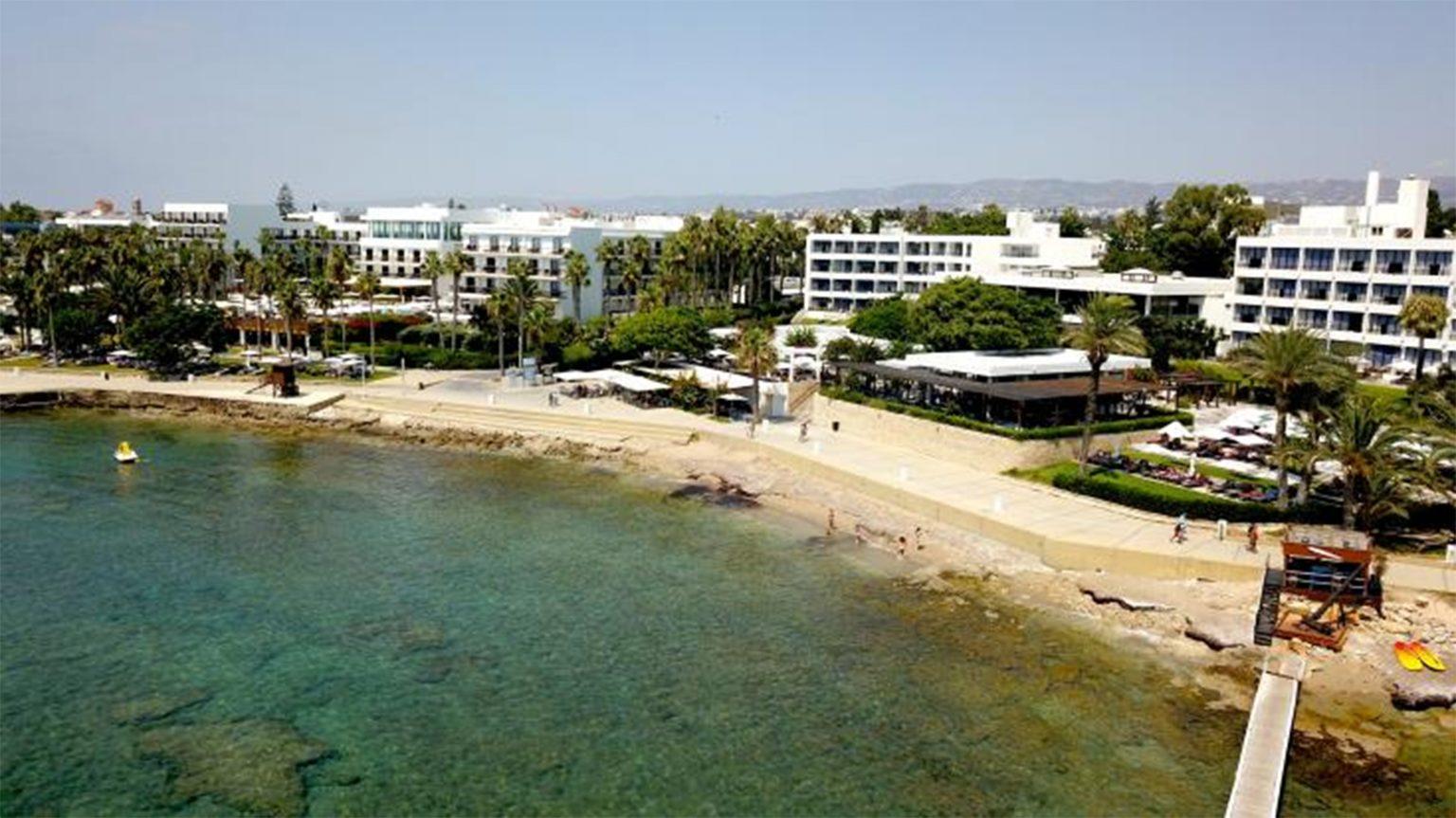 Кипър очаква туристи през юли