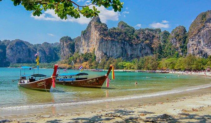 Тайланд не очаква чуждестранните туристи да се завърнат преди октомври