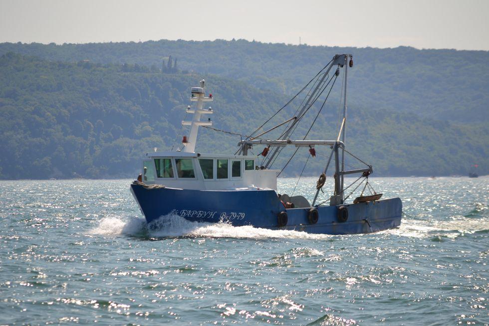 Във Варна отбелязват по атрактивен начин празника на рибарите и риболова