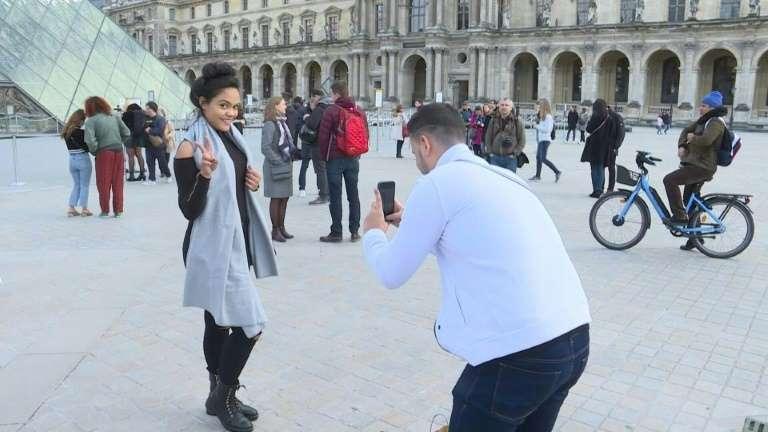 Парижкият музей Лувър отново ще посреща публика след месеци на затваряне и стряскащи загуби