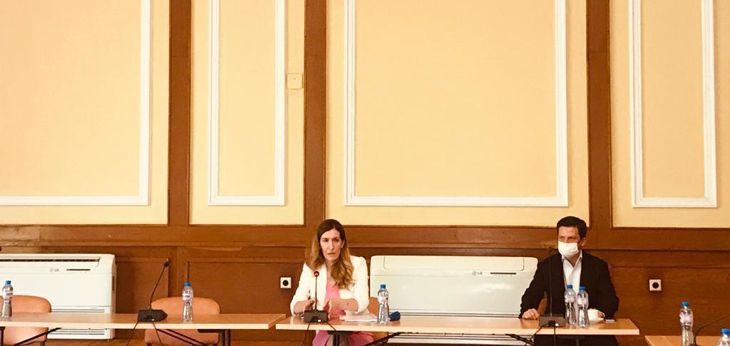 Министър Ангелкова се срещна със Съюза на собствениците-Слънчев бряг