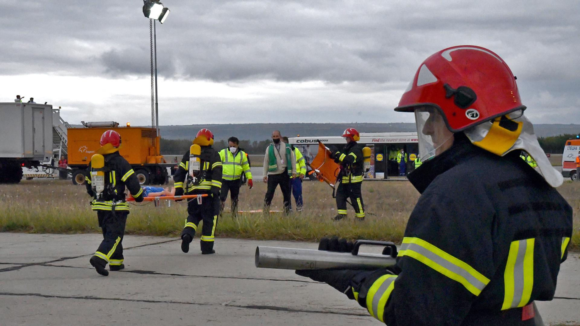 На летище Варна се проведе аварийно-спасителна тренировка