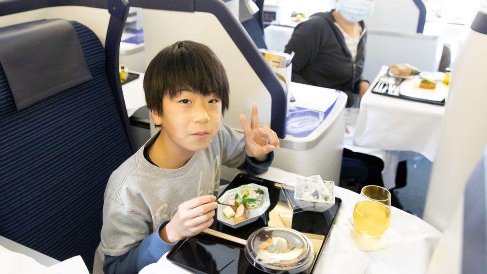 В Япония предлагат възможност за хранене на самолетна писта срещу 540 долара