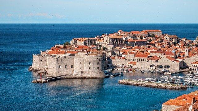 United Airlines добавя нови полети до Хърватия, Гърция и Исландия