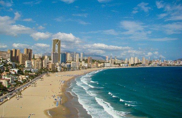Испания се готви да посреща британски туристи веднага след 20 май