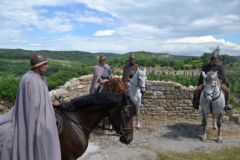 Летният туризъм във Велико Търново стартира със средновековни възстановки