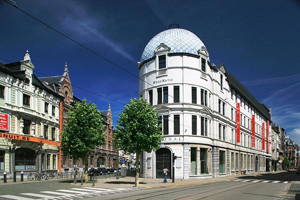 Модният музей MoMu отваря отново врати в Антверпен
