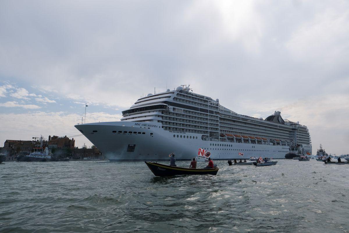 Забраняват влизането на круизни кораби във Венеция