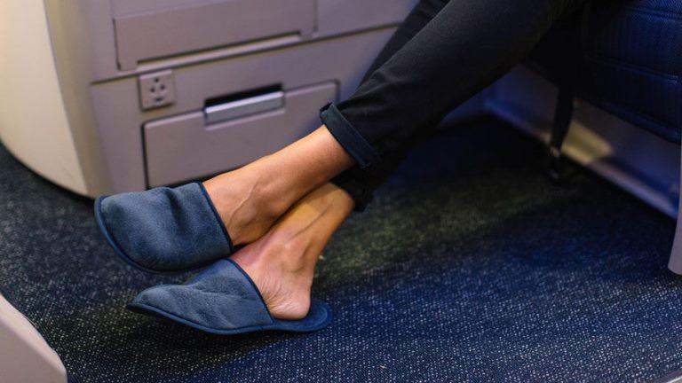 """""""Бритиш еъруейз"""" въвежда пръчици за хранене в самолетите си"""