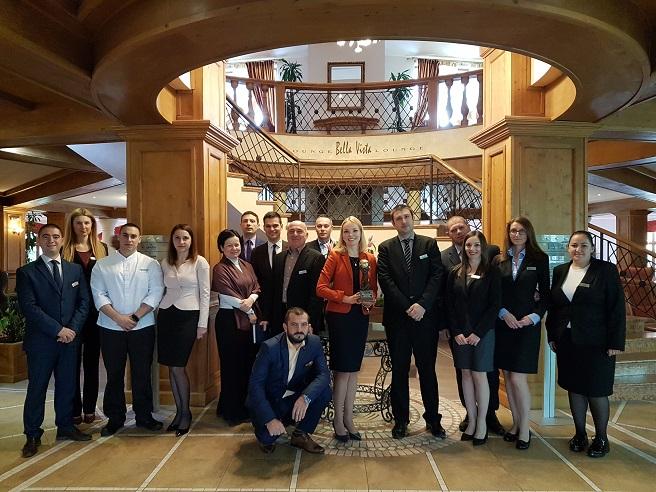"""Кемпински Хотел Гранд Арена Банско получи награда в Кицбюел за """"Най-добър ски хотел на България"""""""