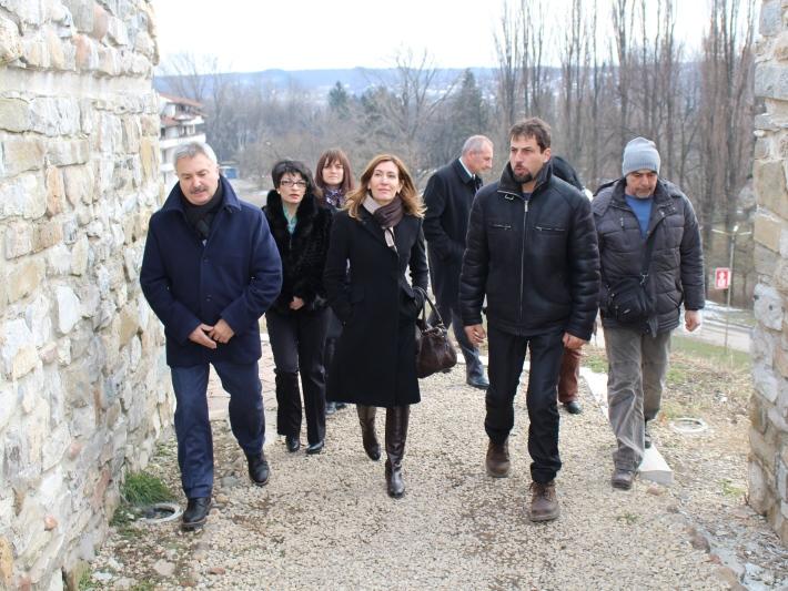 Министър Ангелкова се срещна с туристическия бранш в Монтана, Берковица и Върщец