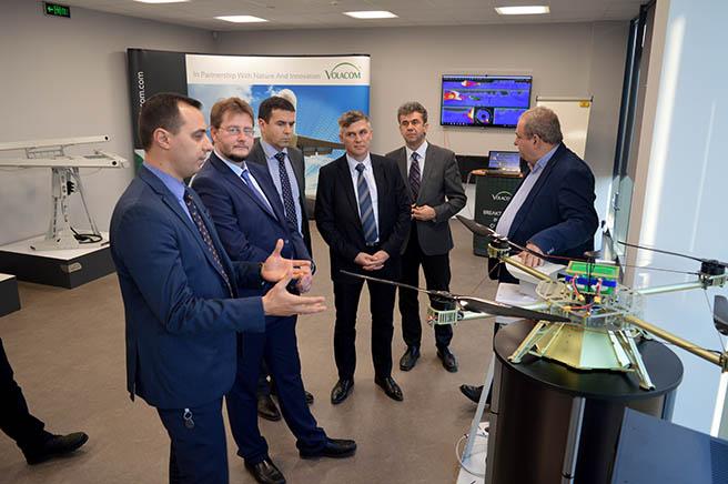 Българска фирма произвежда уникални системи за отблъскване на птици от летища