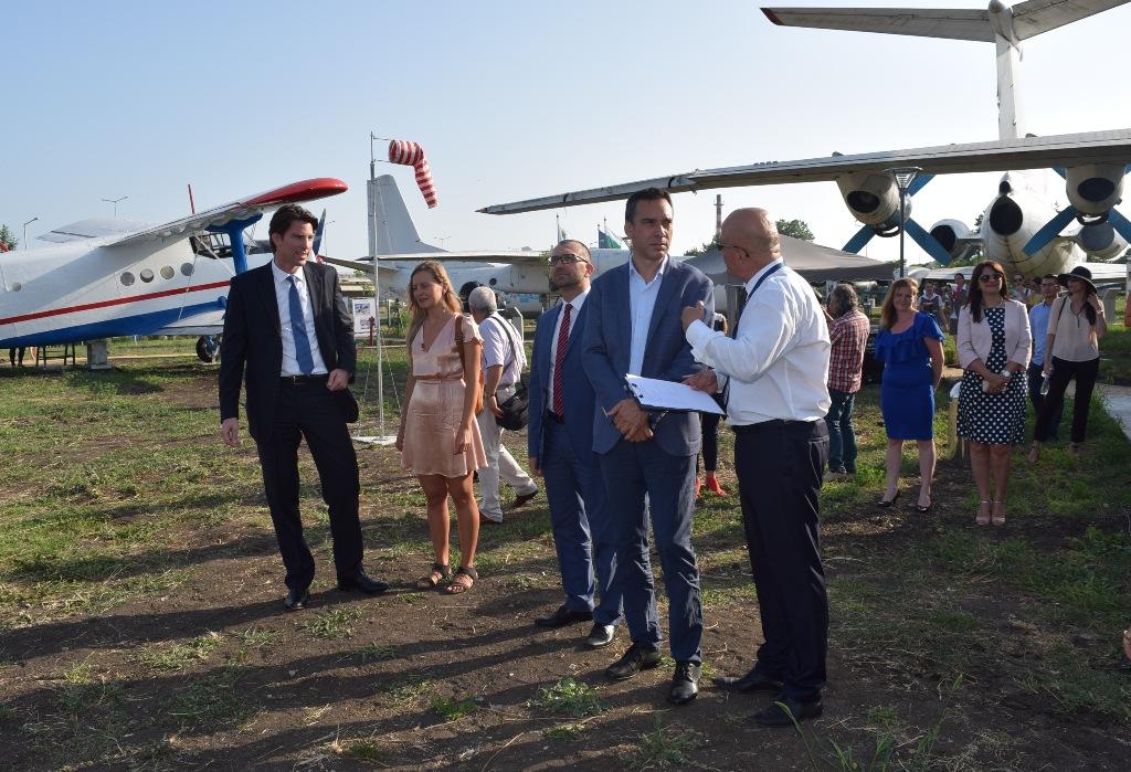 Откриха авиомузей на летището в Бургас