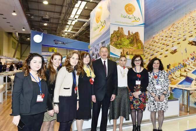 Президентът на Азербайджан посети българския щанд на туристическото изложение в Баку