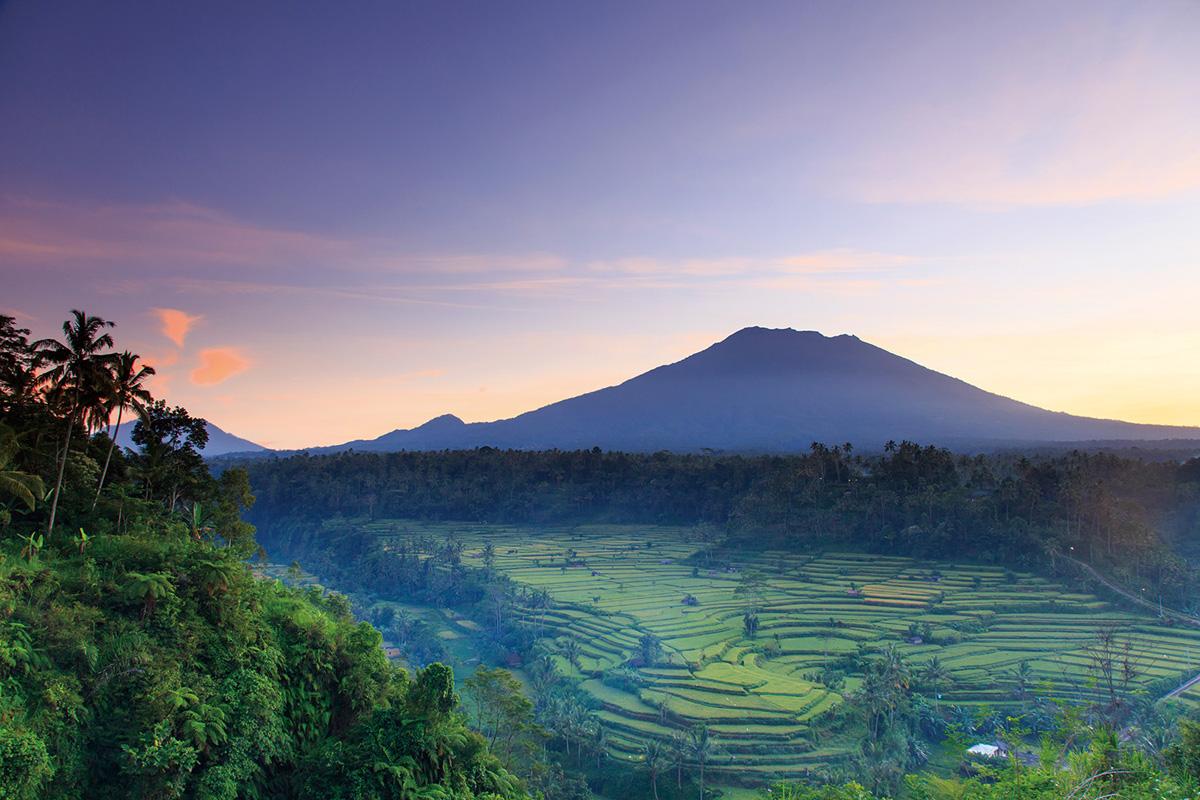 Вулканът на Бали се успокои