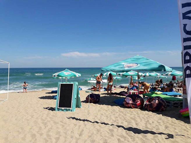 """Продължават нарушенията на морски плажове """"Панорама"""" и """"Кабакум-централен"""" край Варна"""