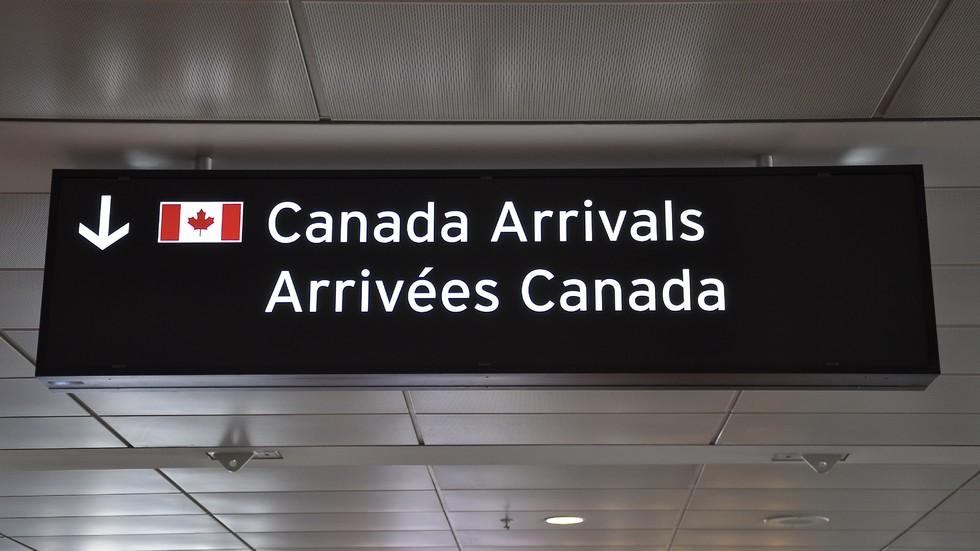 Без визи в Канада от 1 декември