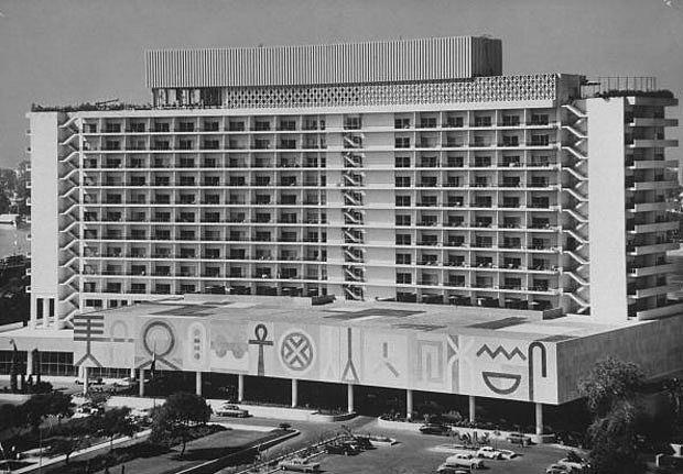 Катастрофата в Синай помрачи тържественото откриване на хотел Ritz Carlton в Кайро