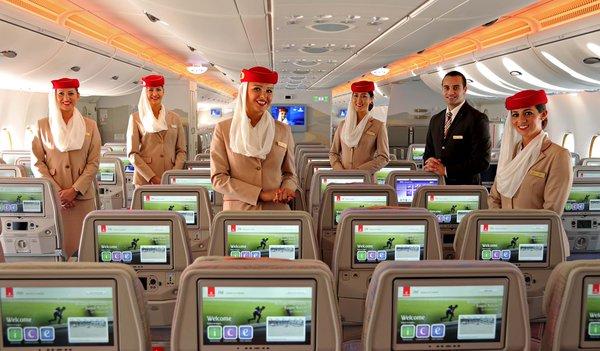 """Ако обичате масовката, новият самолет на """"Емирейтс"""" А 380 с 615 места е тъкмо за вас"""