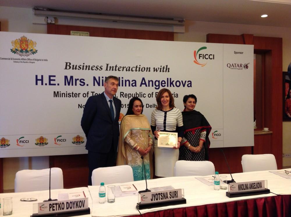 Министърът на туризма Николина Ангелкова e на работно посещение в Индия