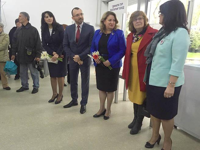 """В Бургас беше открито изложението """"Вашата ваканция"""""""
