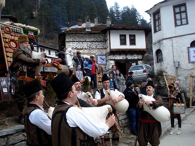 http://www.infotourism.net/documents/gaidari_shiroka_laka_16847.jpg