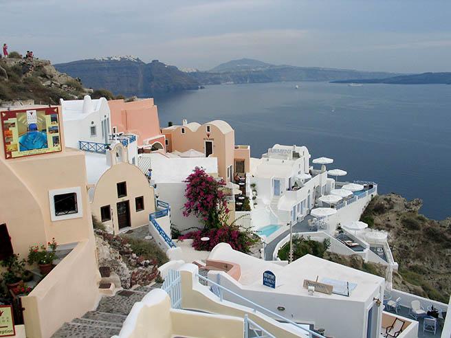 Гърция: броят на туристите расте, приходите от тях намаляват