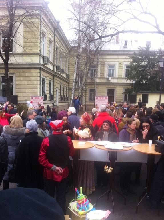 """В деня на """"Сирни Заговезни"""" в София почетоха и руския народен празник"""