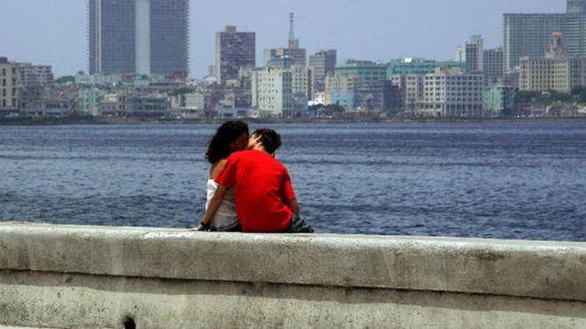 """Куба връща """"любовните хотели"""""""
