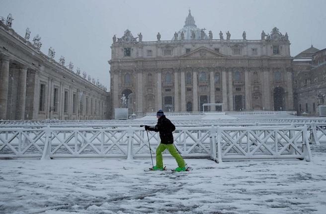 Рим се оказа под снежен похлупак