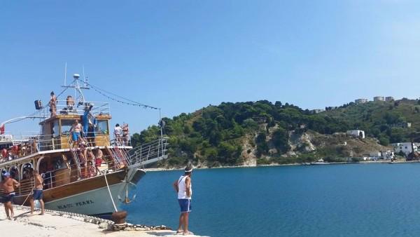 Албания отвори за туристи
