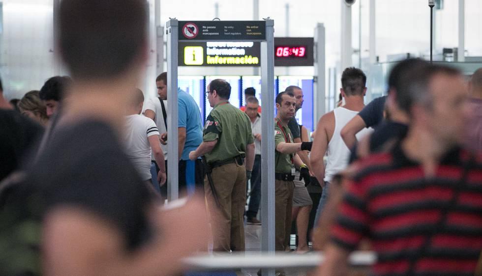 Летището в Барселона е заплашено от 24-часова стачка