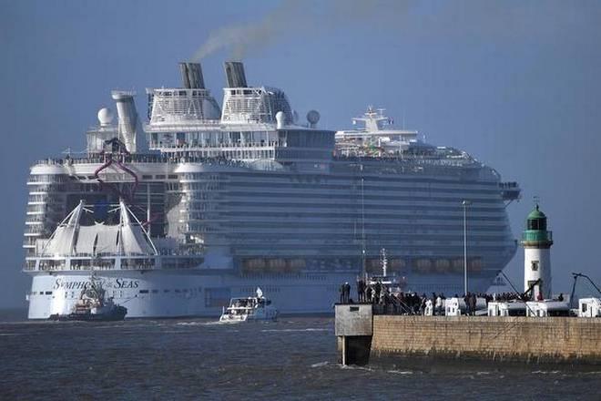 Най-големият круизен кораб в света тръгва на първо плаване