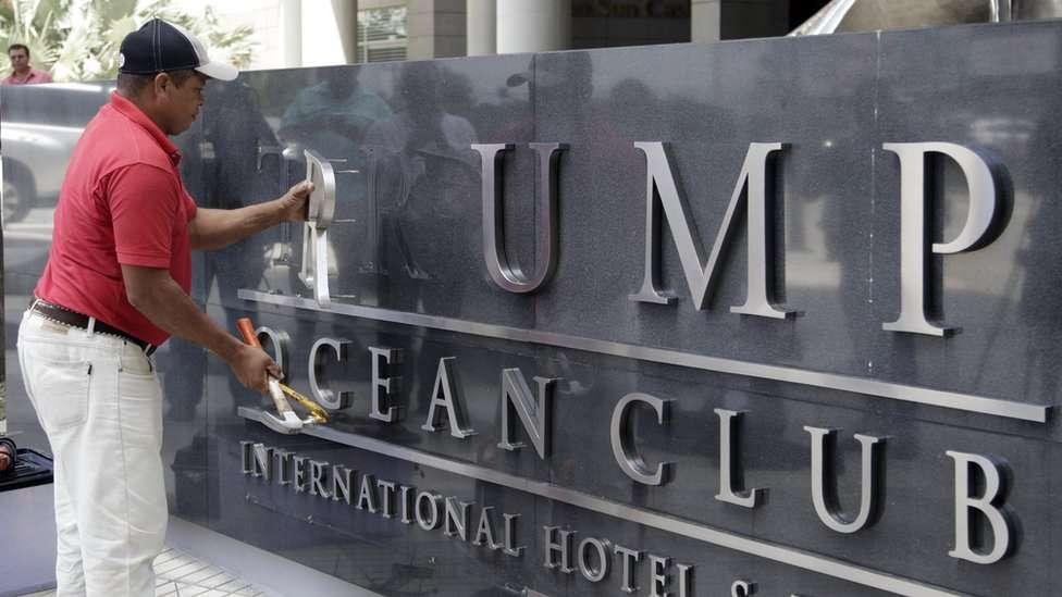 """Хотел в столицата на Панама премахна името """"Тръмп"""" от фасадата си"""