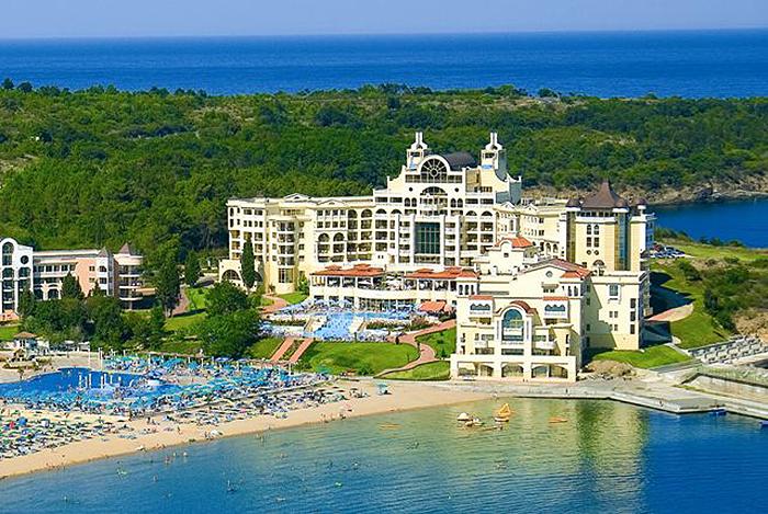 Сбогом Кариби: TUI пренасочва туристите си към България