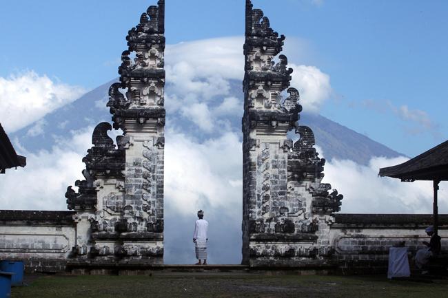 Ситуацията на остров Бали се нормализира, международното летище работи