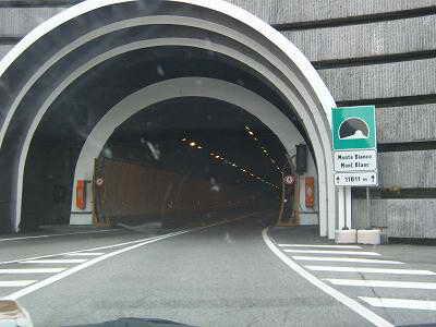www.infotourism.net Ограничават движението в тунела Монблан
