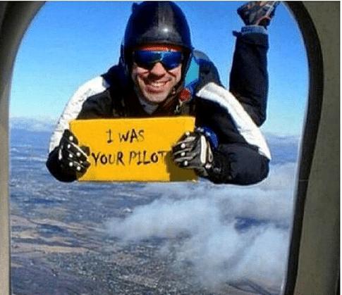 www.infotourism.net Има ли пилот в самолета?